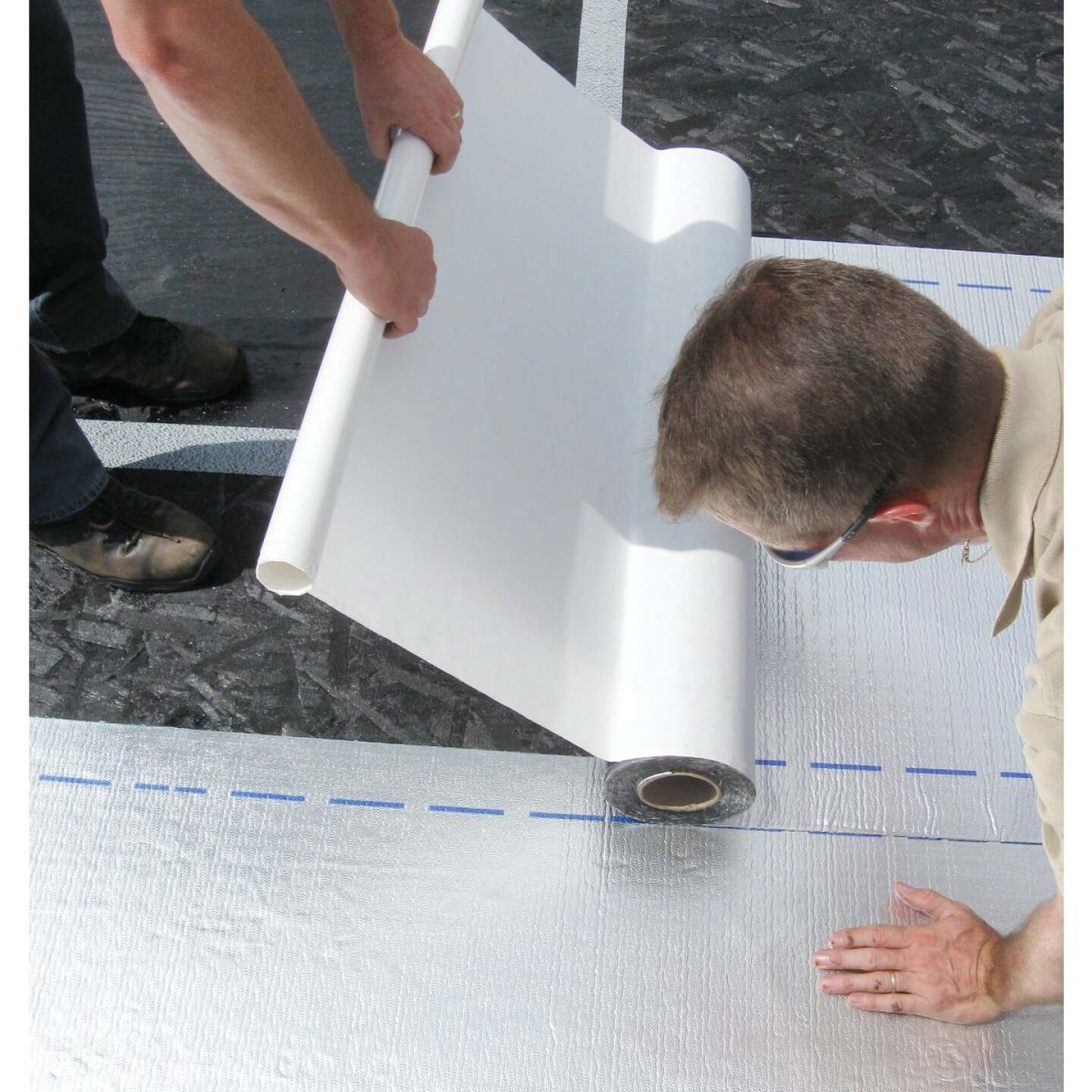 MFM Peel & Seal 36 In. X 33-1/2 Ft. Aluminum Roofing Membrane Image 4