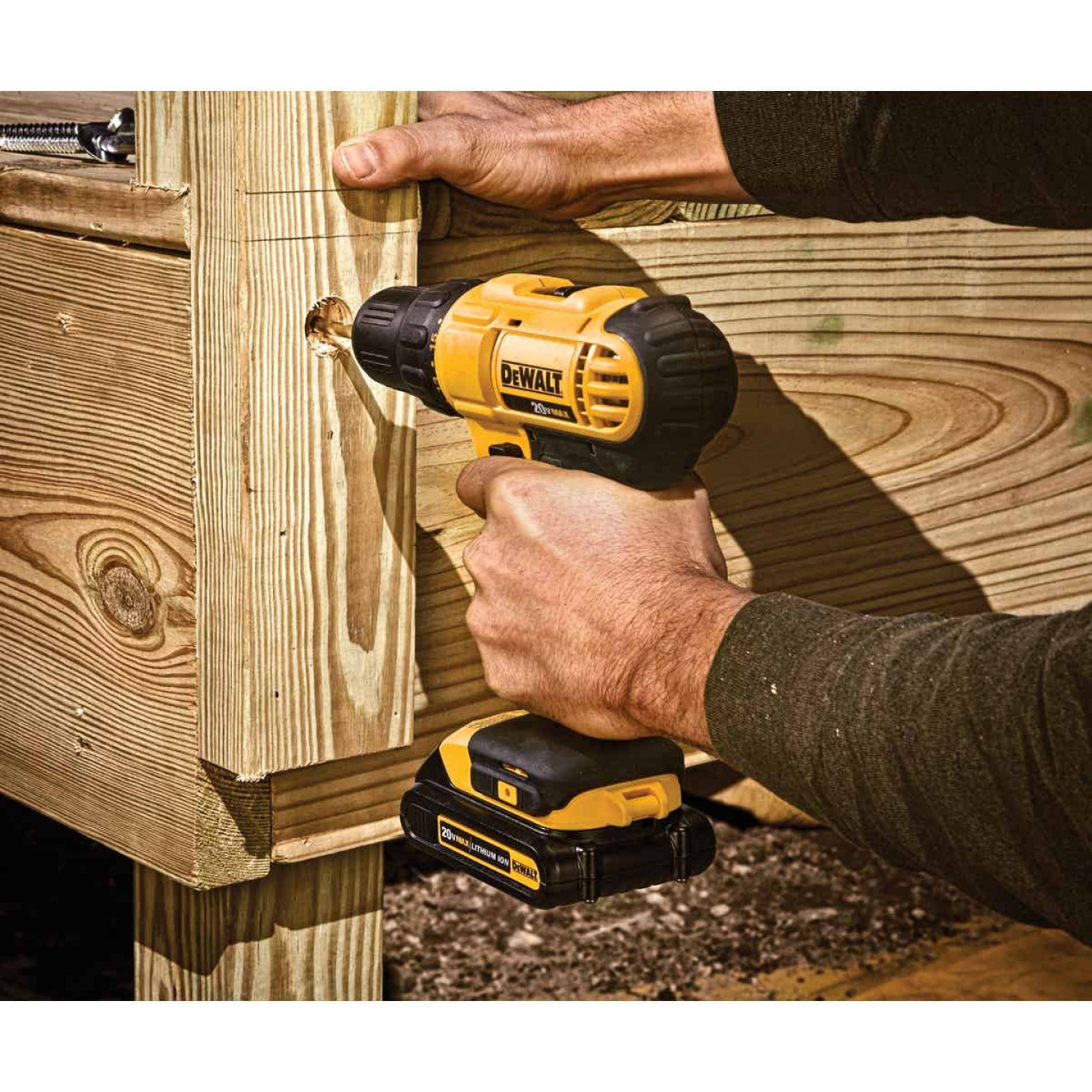 DeWalt 20 Volt MAX Lithium-Ion 1/2 In. Cordless Drill Kit Image 3