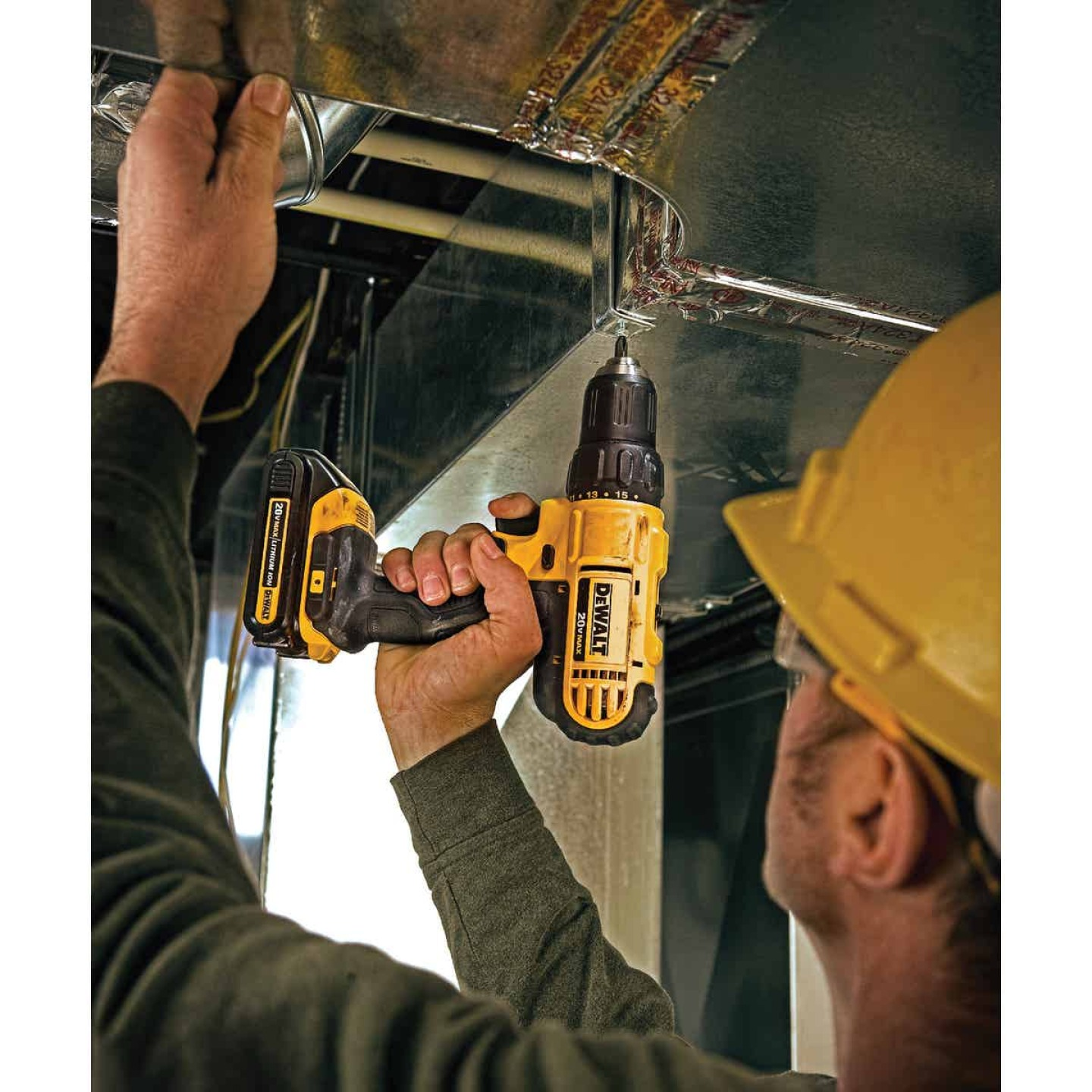 DeWalt 20 Volt MAX Lithium-Ion 1/2 In. Cordless Drill Kit Image 4