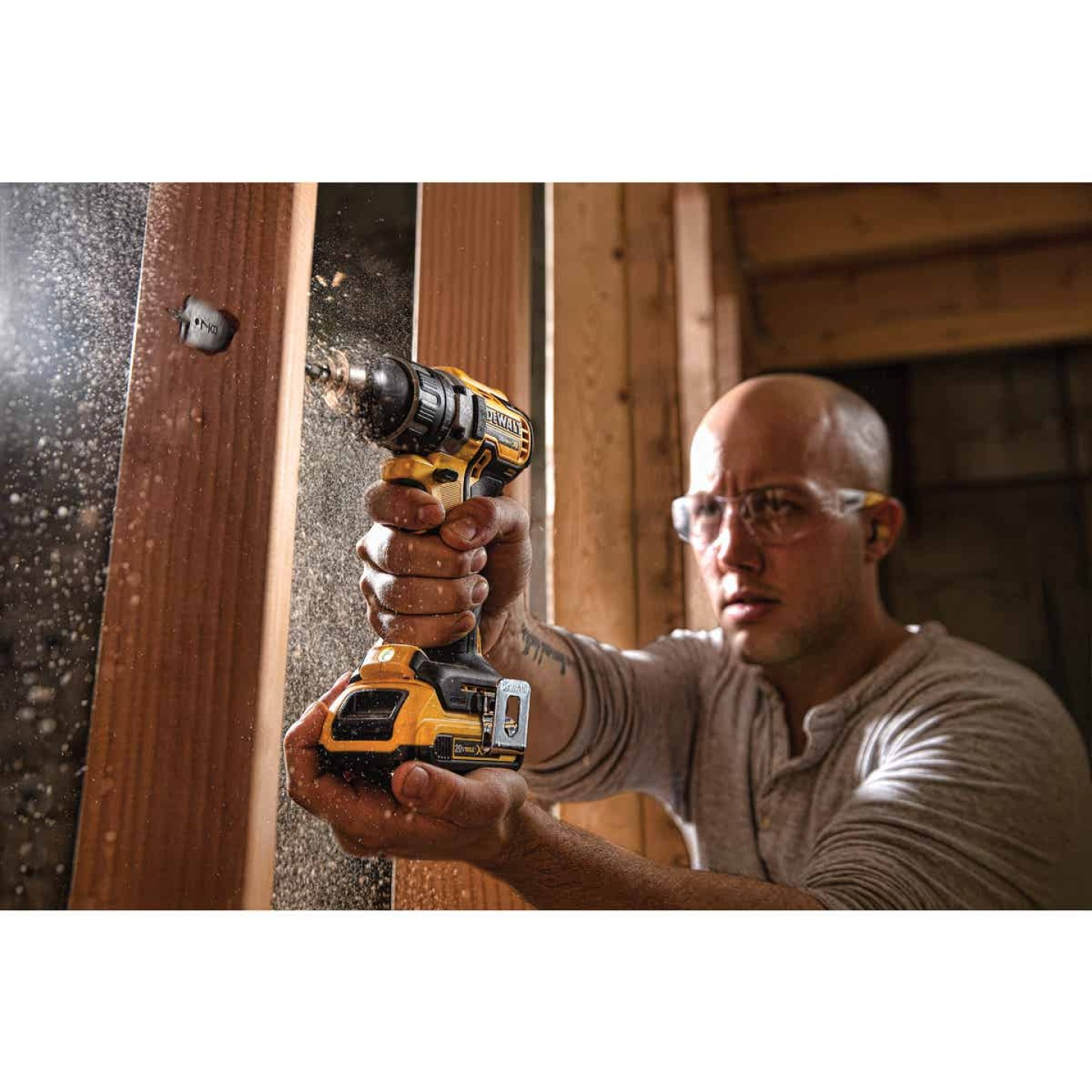 DeWalt 20 Volt MAX XR Lithium-Ion Brushless 1/2 In. Cordless Drill Kit Image 2