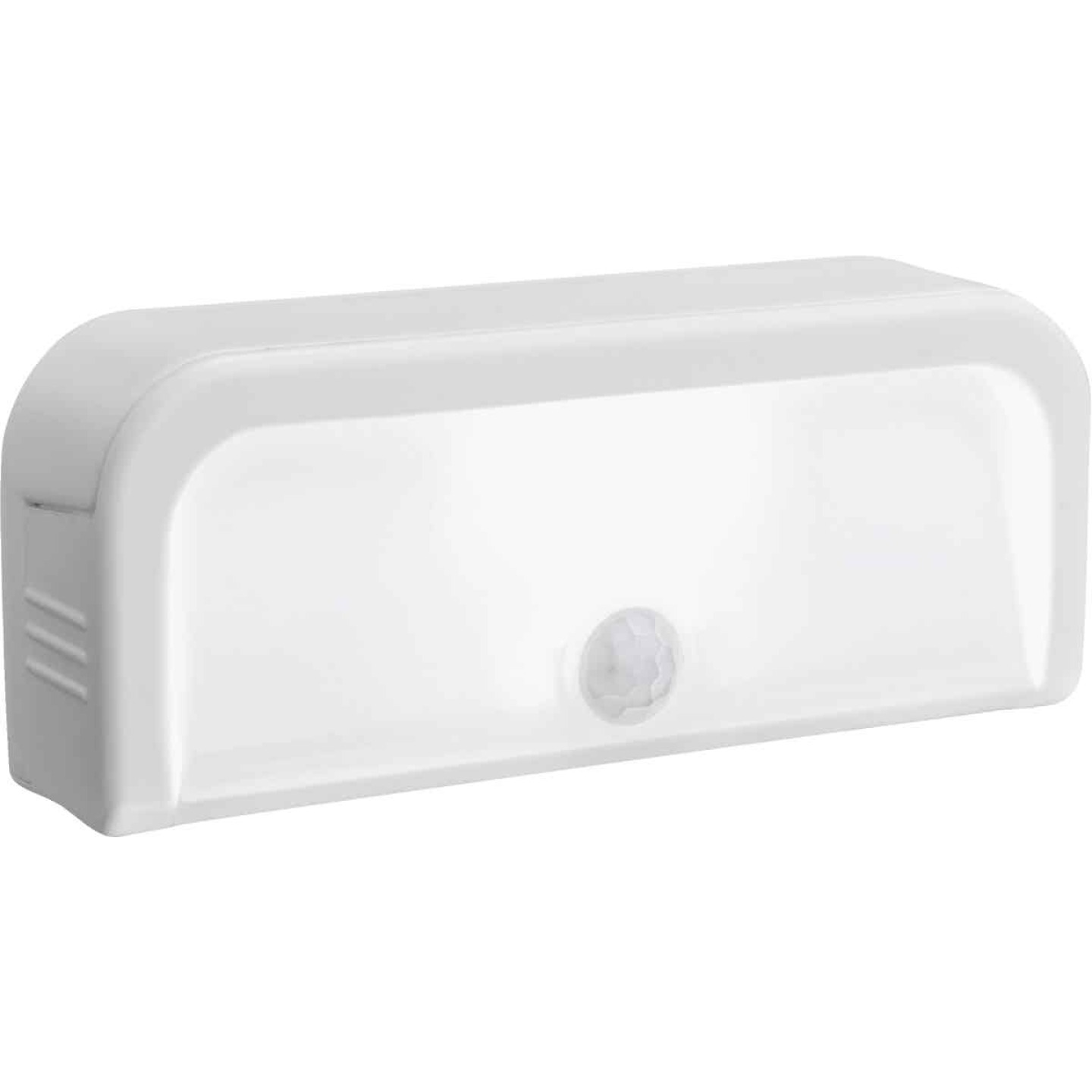 Mr. Beams White LED Battery Operated Light Image 3