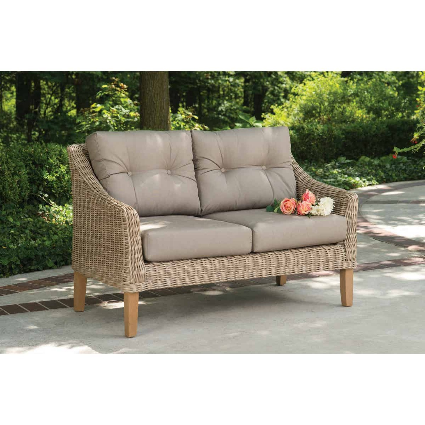 Cambria 2-Person 51 In. W. x 31 In. H. x 29 In. D. Wicker Loveseat Image 3